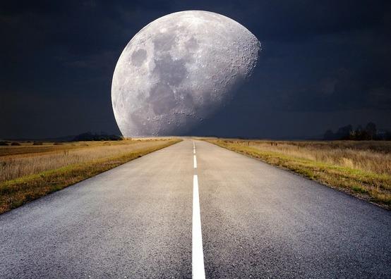 moon-2285627_960_720