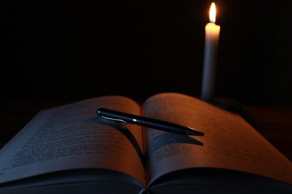 candle-1646765_960_720