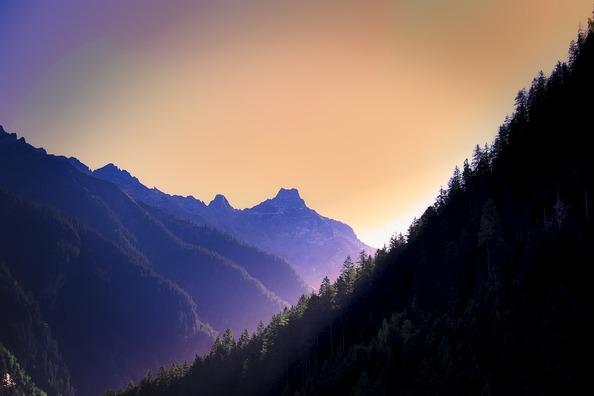mountains-2752004_960_720