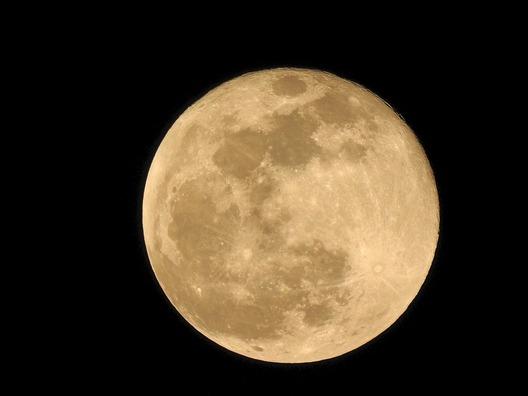 moon-3992261_960_720
