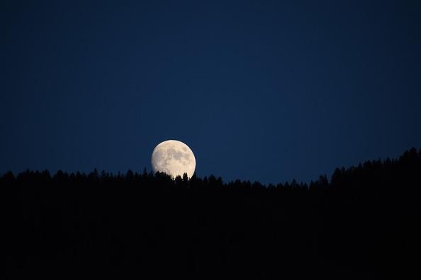 moon-4336233_960_720