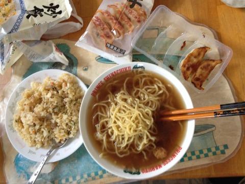 【朗報】ローソンのラーメン定食(324円)安すぎワロタwwwwwwww(画像あり)