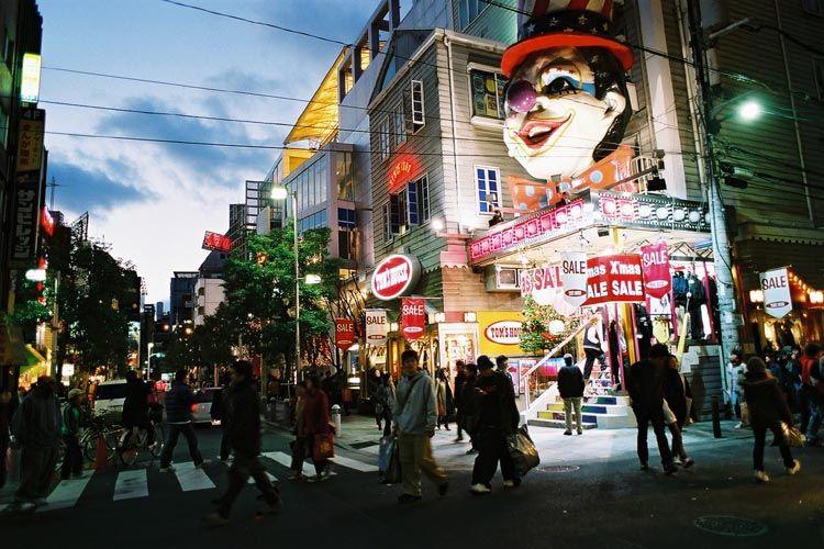 【どうなる!?】大阪・アメリカ村「防犯カメラ」全81台撤去へ