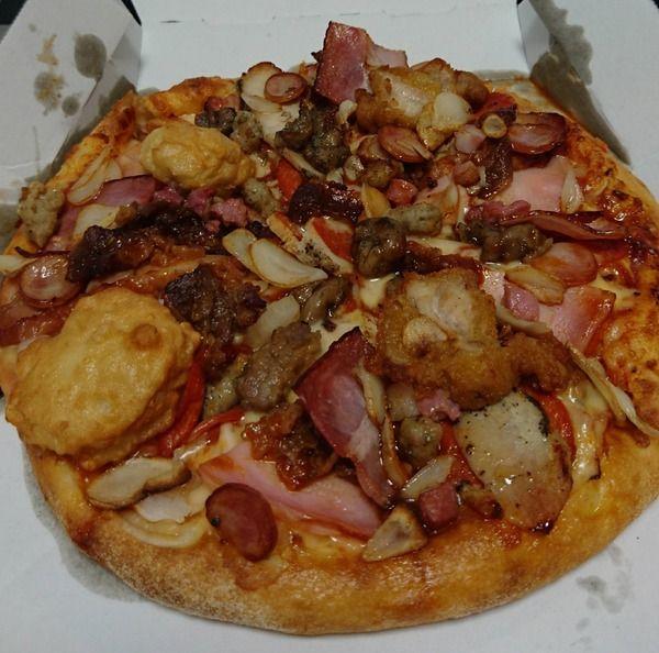 【画像あり】 ドミノの肉ピザ頼んだやで