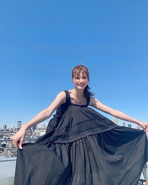 めるる 黒のドレスワンピ姿に「最高に美」「1枚の絵画みたい」の声