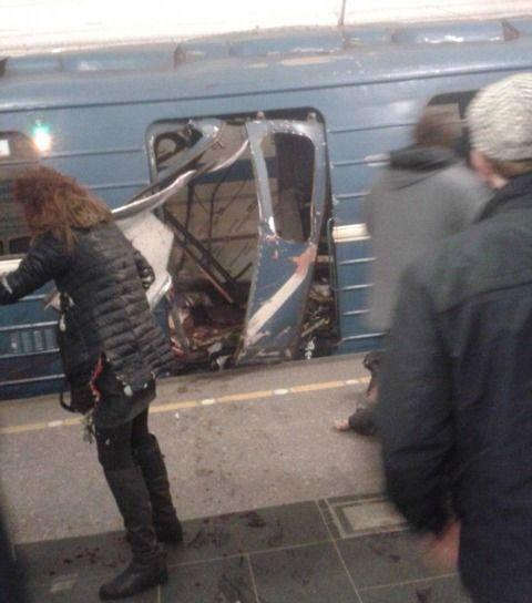 【テロ?】ロシア・サンクトペテルブルク地下鉄50人負傷&10人死去!現場で消防車がかけつけるリアルな光景がヤバい・・これ負傷者が・・