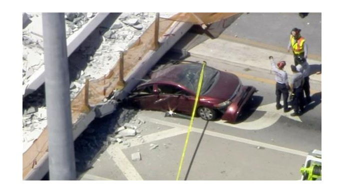 米フロリダ州の歩道橋崩落 複数死者か ※紹介記事