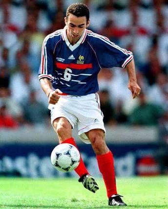フランスのサッカー選手を1人思い浮かべて下さい