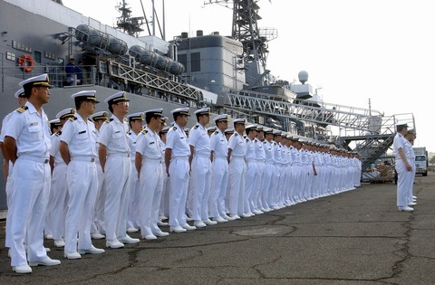 Japanese_sailors_jmsdf