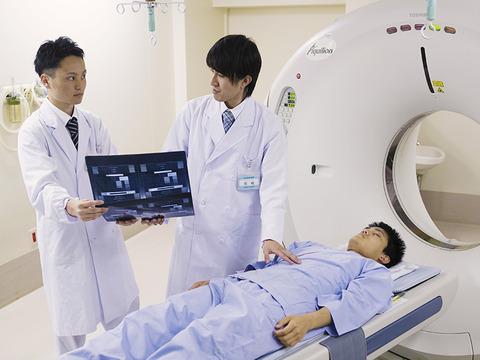 medical_radiology_technician_scene01