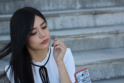 girl-2581466_640