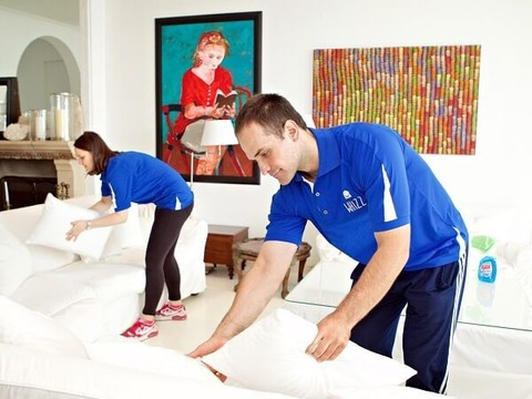 hotel-cleaning-baito-pair