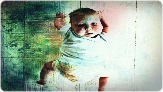 不気味な赤ちゃん
