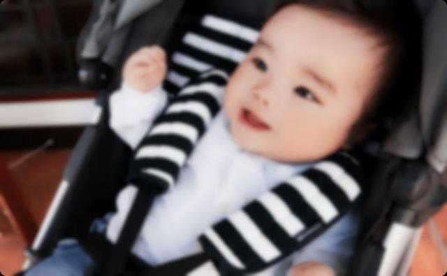 ベビーカーの赤ちゃん