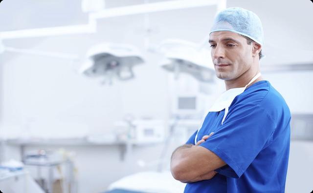 【悲報】出産中に医学生がゾロゾロと分娩台に近づいてきて絶句 → しかも、私「あ、あの人は...」→ なんと・・・