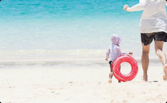 叔父さん「浜に上がれ!」→ 近くで泳いでた子供をいきなり掴み上げ、浜へ引きずっていく → その子のお母さんらしき人「やめて〜!!」私(え?叔父さん... 誘拐!?)→ すると・・・