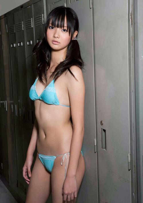 新川優愛水着グラビア (16)