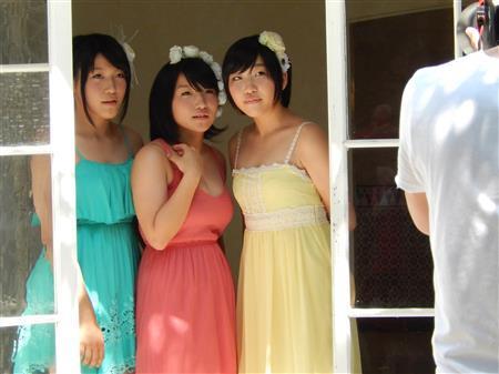 柔美、詩美、都美のビッグダディ3姉妹が「FLASH」でグラビアに初挑戦戦2