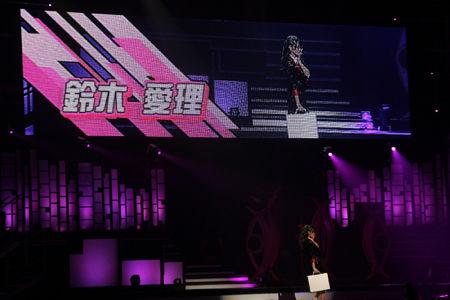 ℃-uteの初武道館公演に森高千里がサプライズ登場12