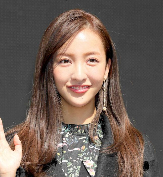 板野友美、第1子妊娠をサプライズ発表「私、母になります」