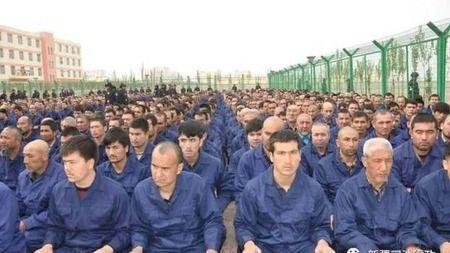 【中国】「職業訓練センターだ」 中共政府、新疆ウイグルの収容施設を合法化