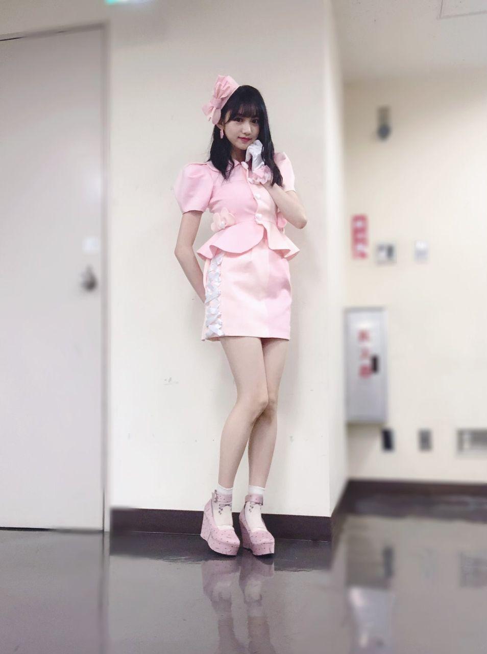 【#NAMBA祭り】横野すみれ、みるきーオリジナル衣裳で「やさしくするよりキスをして」披露!