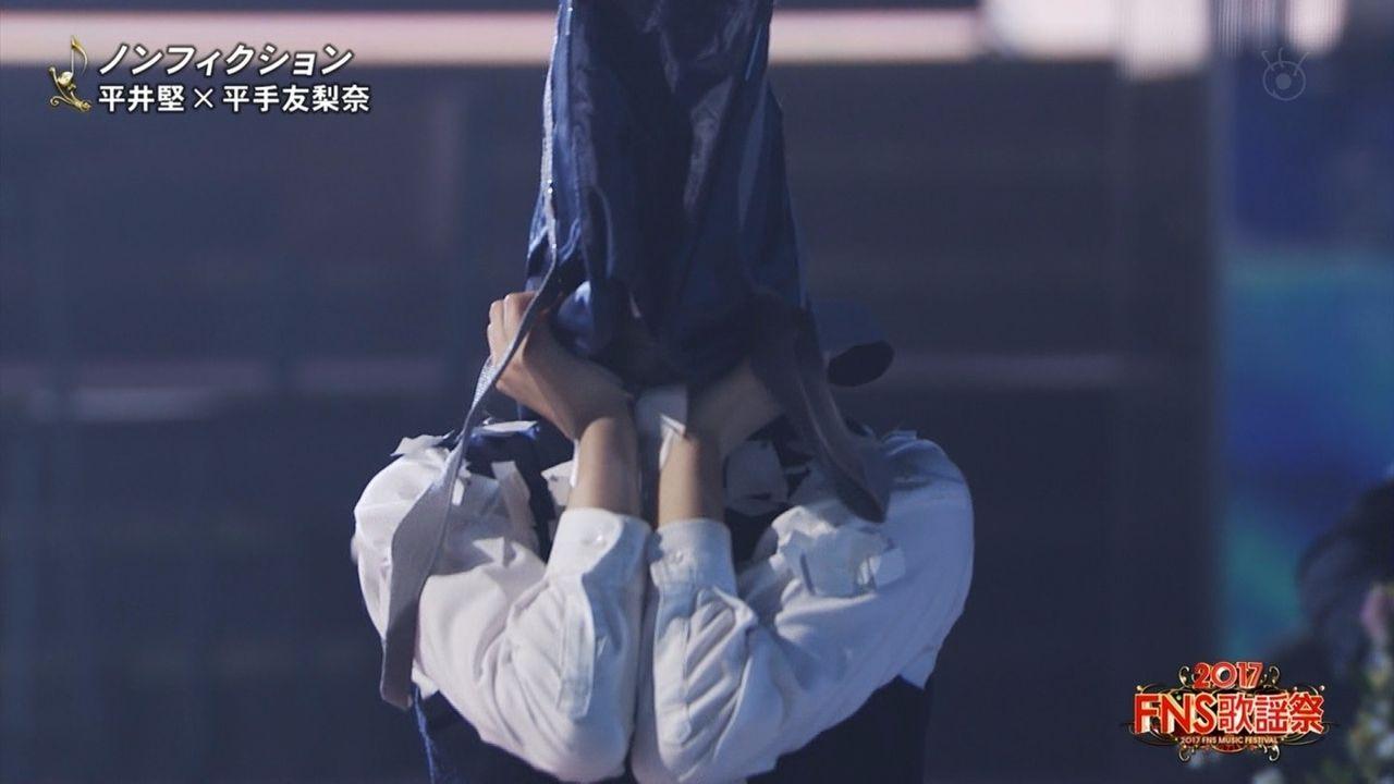 【画像】欅坂46 平手友梨奈がFNS歌謡祭で魅せた衝撃的パフォーマンスwwwwwwwwwwwww