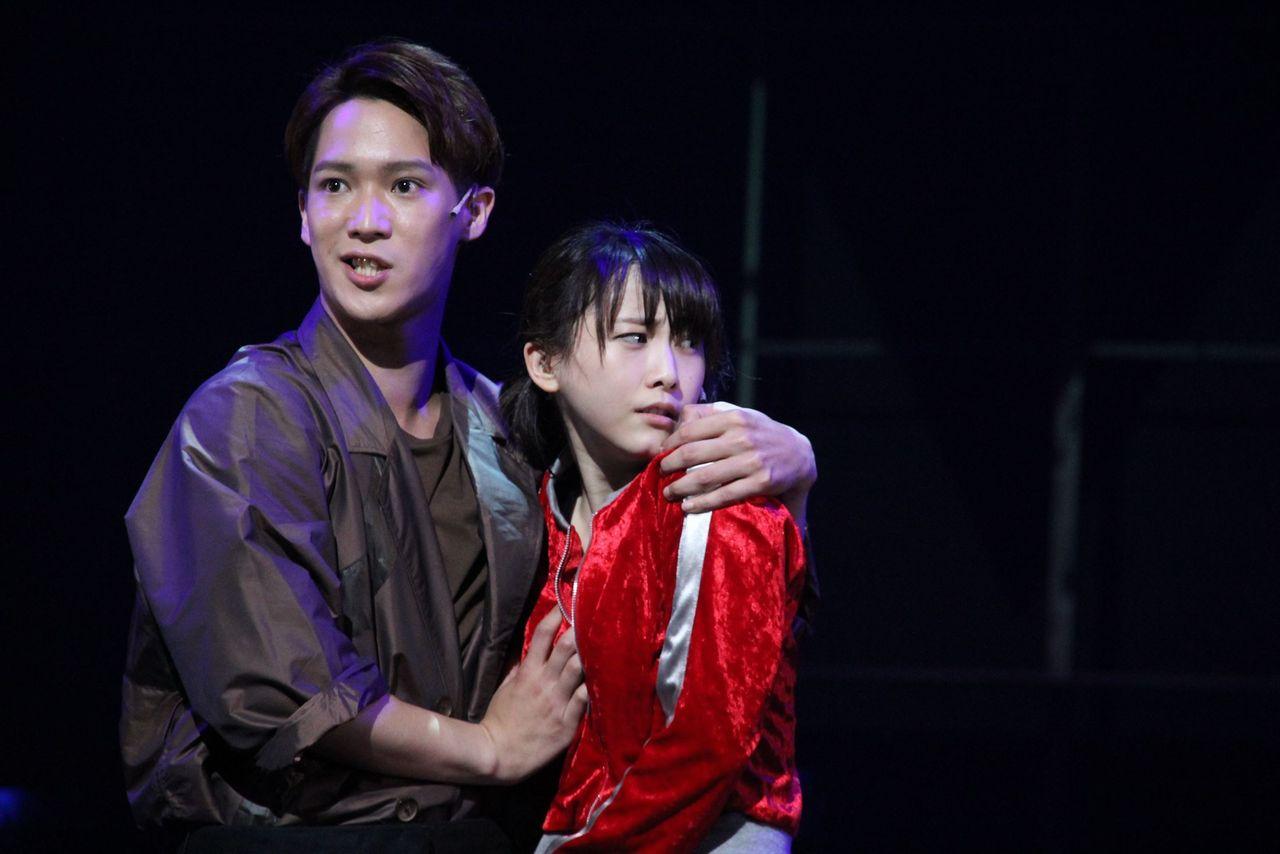 元SKE48松井玲奈、イケメン俳優に胸を揉みしだかれ・・・オタクの反応
