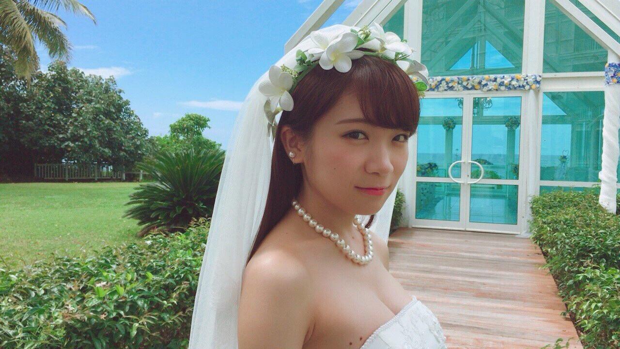 【乃木坂46】秋元真夏のウエディングドレス姿がエロ過ぎるwwwwwwww