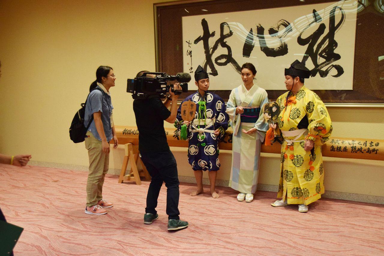 【速報】秋元才加さん大相撲中継に出演中wwwwwww