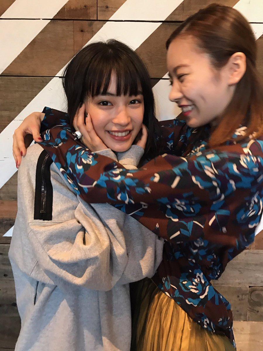 【画像】広瀬すずと島崎遥香の2ショットキタ━━━━━━(゚∀゚)━━━━━━ !!!!!