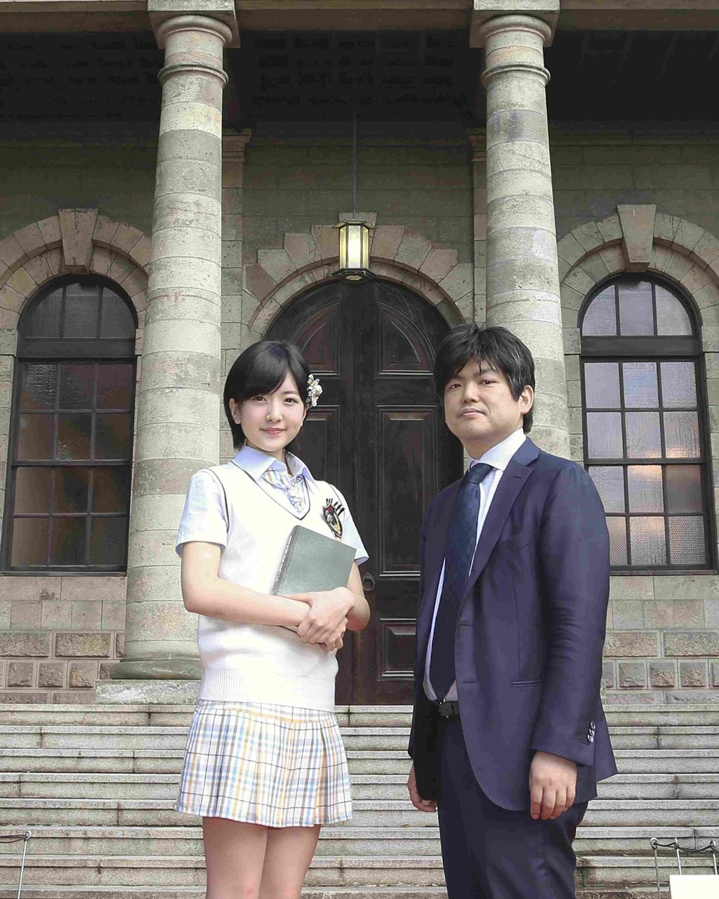 NMB48須藤凜々花が読売新聞夕刊で瀧本哲史(京大准教授)と対談
