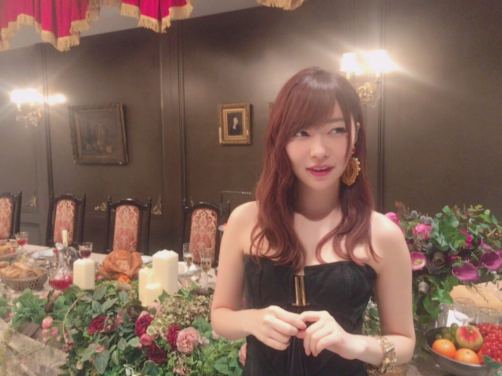 【悲報】元ジャニーズ赤西仁と指原莉乃がカラオケ密会