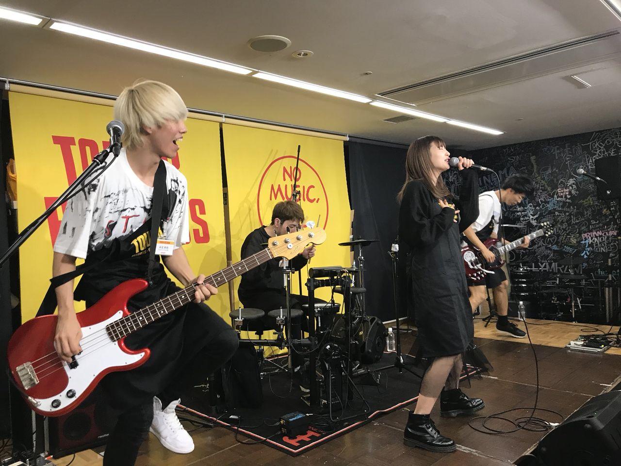 【NMB48】元メンバー岸野里香、突然のデキ結婚。所属バンドは解散