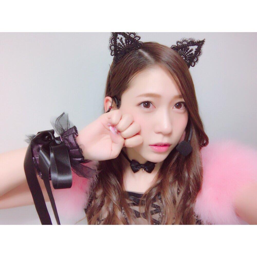 【AKB48】茂木忍「1000RTいったら顔もおっぱいも盛れてるグラビアのオフショット載せます!!」→結果wwwwwww
