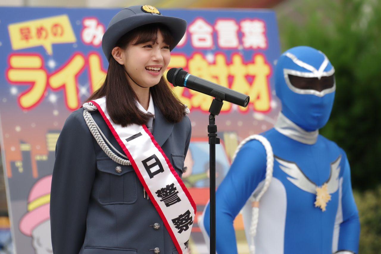 【画像】久喜市の一日警察署長かわいすぎて逮捕されたい人続出wwwwwwww【市川美織】