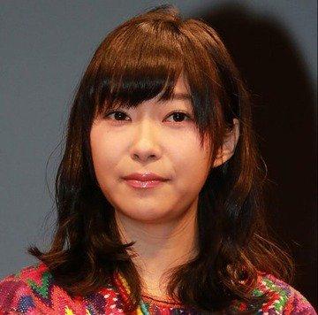 【悲報】HKT48ツアー中客席にマイクを投げ入れた宮脇咲良に指原莉乃が口を滑らすアクシデント