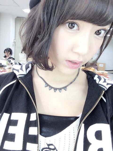 【悲報】HKT48指原莉乃が暴露。「宮脇咲良は秋元康先生の食事会には必ずいる」