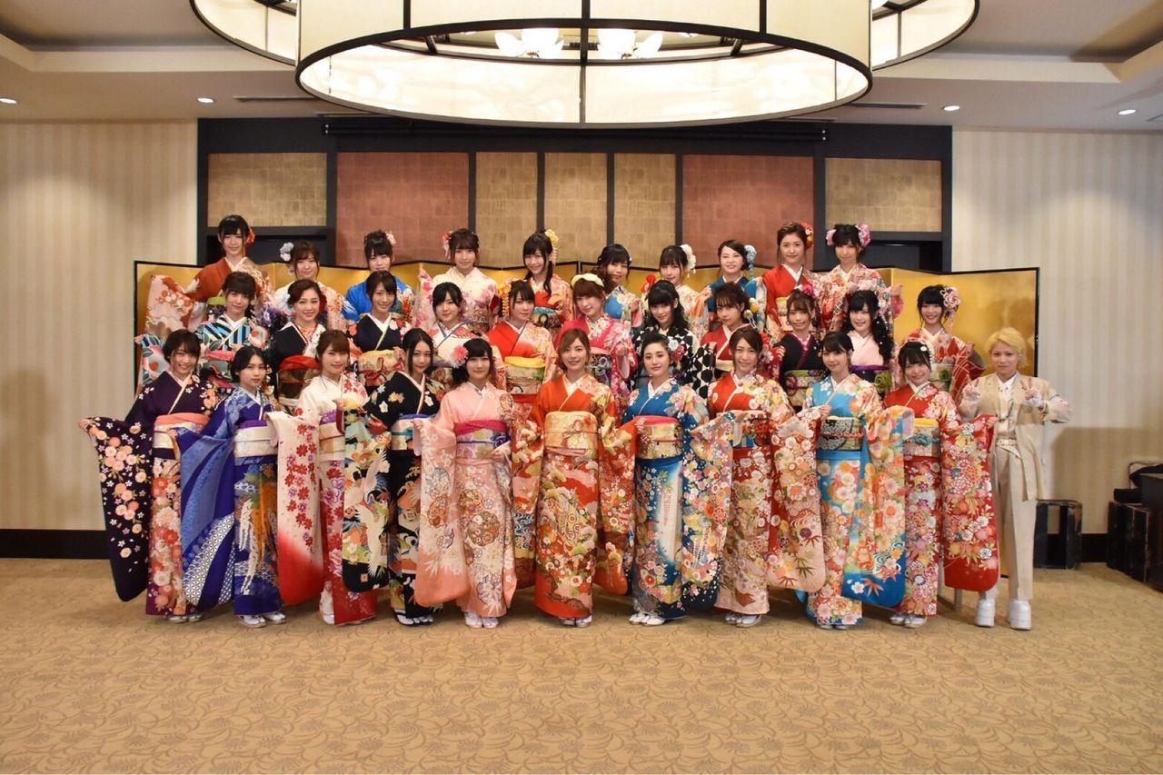 AKB48グループ成人式の様子。センターはSKE48松井珠理奈,NMB48矢倉楓子,HKT48兒玉遥【画像】