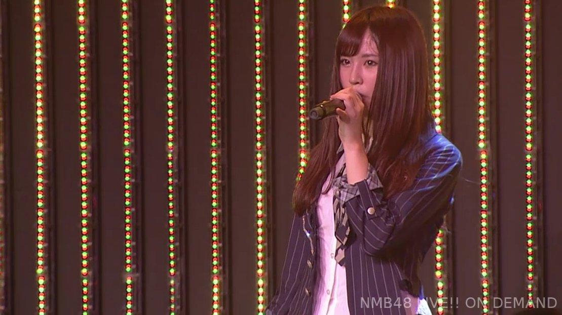 【画像】NMB48劇場に突如現れた黒髪ロング美少女