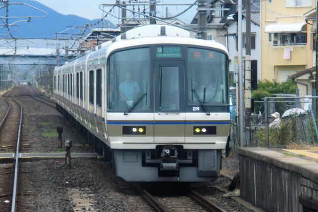 JR西日本・221系~新快速から「都落ち」快速へ、そして普通列車へ ...
