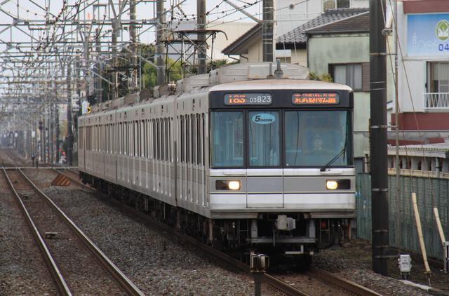 「まつもとあずさ」が3番線にまいります!  東京メトロ・03系~18メートル車、最後の活躍へ(東武20000系もね!)コメント                        まつもとあずさ@3番線