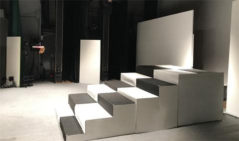 舞台階段2