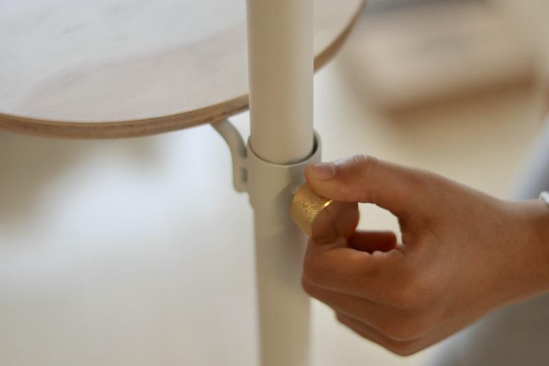 ドローアライン・木製テーブル