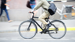 170502_commuting_by_bicycle-w960