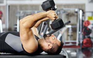 triceps-brachii-dumbbell-01-e1586767271157