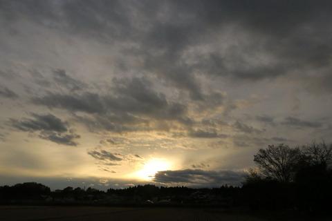 夕焼け散歩(12月06日)でも、焼けなかった夕暮れ!