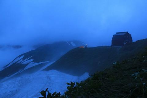 飯豊連峰(御西小屋~大日杉)復路では雨上がりの風景を楽しんだ!