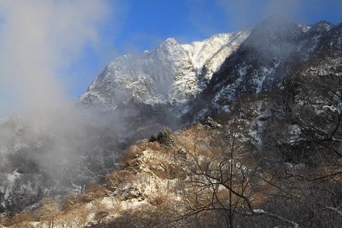 氷瀑見ゆる、厳冬の雲龍渓谷を歩く!