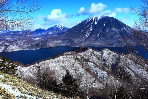 奥日光:冬の社山を登る!(飛沫氷とモルゲンロート!)